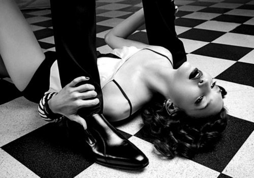 sexy-women-on-black-and-white-floor